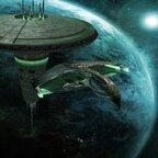 Star Trek - Romulanischer Warbird mit Raum-Dock