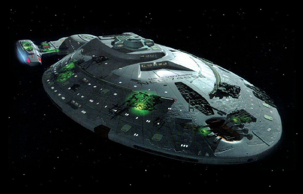 Star Trek - beschädigte Voyager nach Kampfhandlung